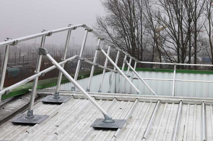 Metal Roof Safety Railings, fixed edge protection - APS